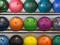 Kule do gry w bowling puzzle online
