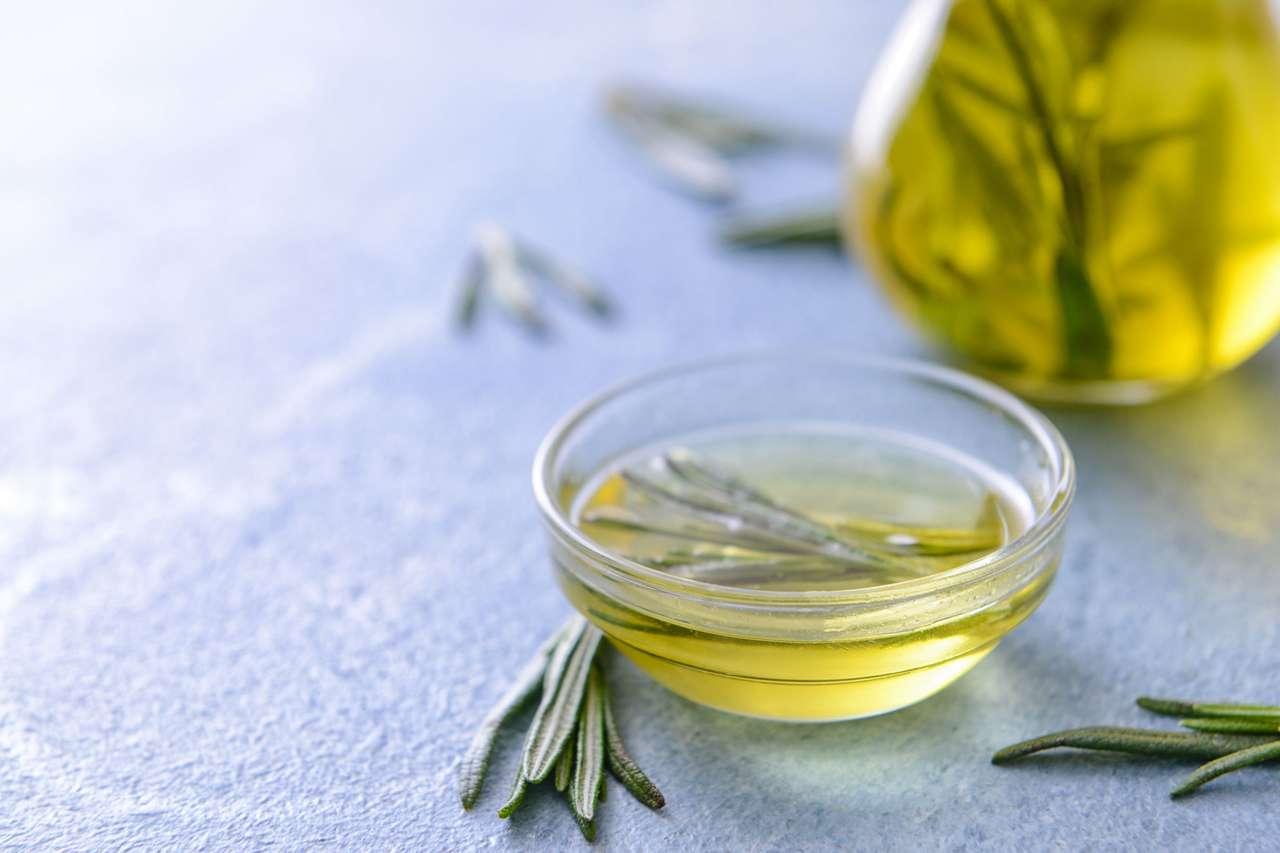 Rozmaryn w oliwie