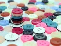 kolorowe guziki