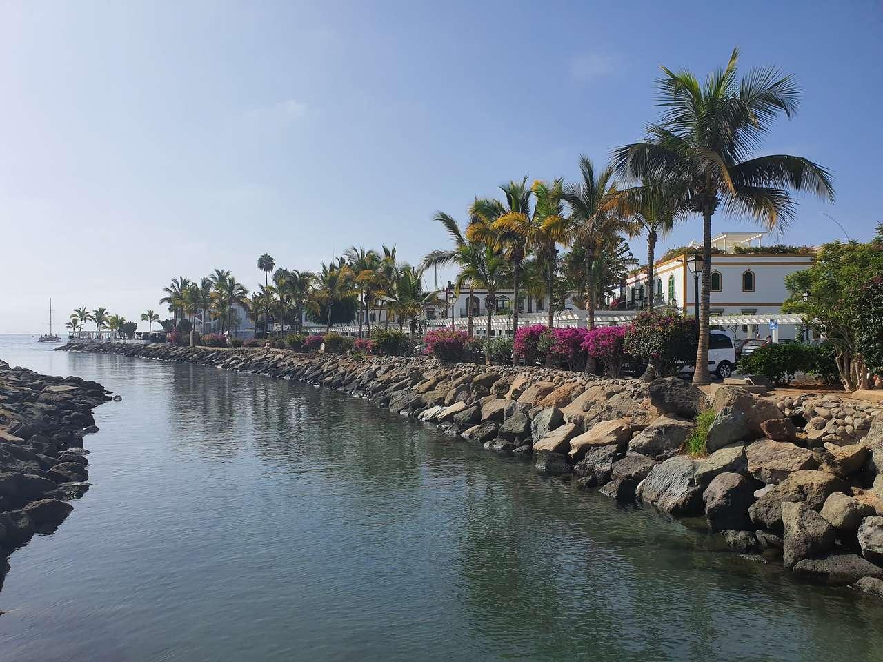 Puerto de Mogan puzzle online