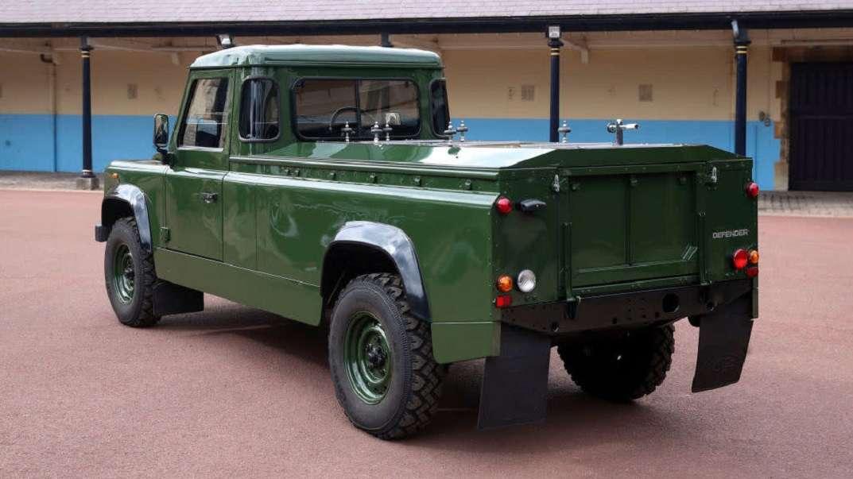Land Rover Defender Słuchaj 2