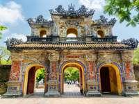 Brama Wschodnia w Hue puzzle ze zdjęcia