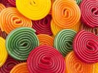 Kolorowe bułki kropli cukierków
