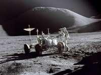 To jest puzzle Landing Moon
