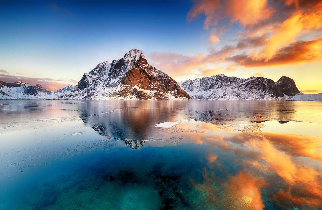 Wschód słońca w Norwegii.
