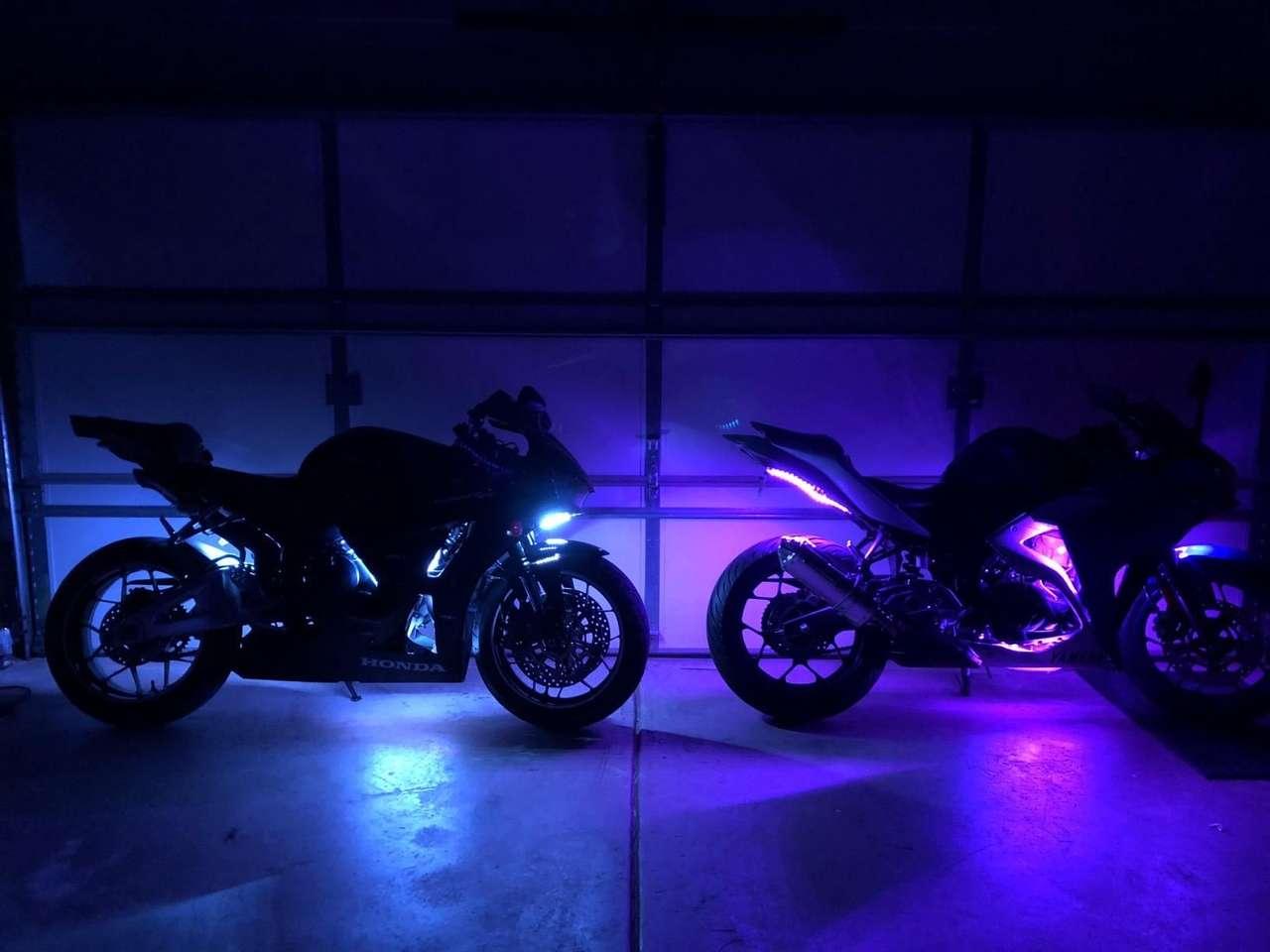 Motocykle z diodą LED. puzzle