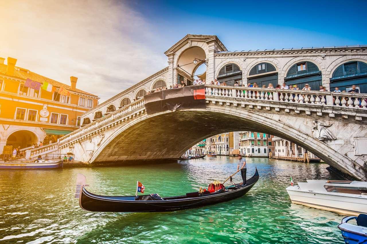 Most Rialto o zachodzie słońca w Wenecji, Włochy puzzle ze zdjęcia