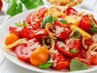 Sałatka pomidorowa