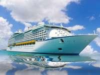 Statek wycieczkowy na Morzu Karaibskim