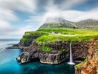 Wodospad Mulafossur na Wyspach Owczych