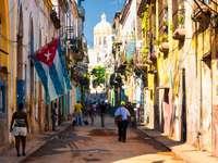 Scena uliczna w starym Hawanie