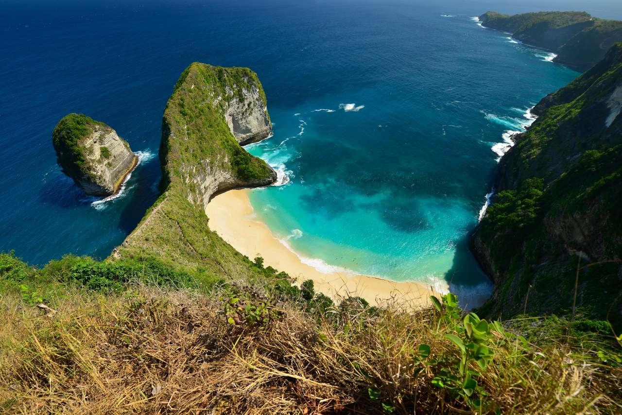Nusa Penida, południowy wschód od wyspy Bali, Indonezja. puzzle online