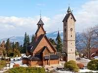 Stary drewniany kościół klepkowy Wang w Karpaczu