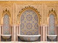kafelkowa fontanna w mieście Rabat