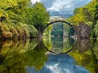 jesień w parku Kromlau, Diabelski Most