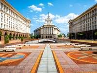 Budynki klasycyzmu socjalistycznego w środkowej Sofii