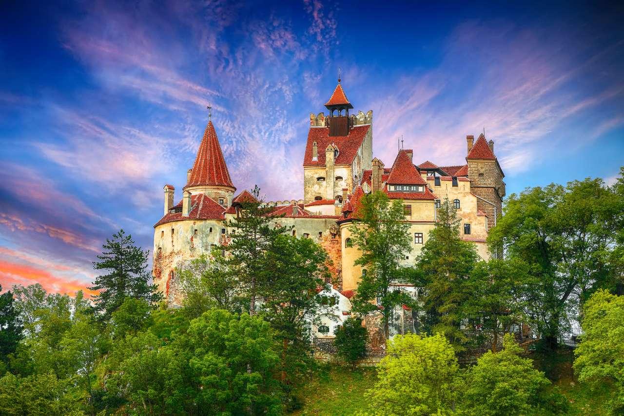 Średniowieczny zamek Bran puzzle online