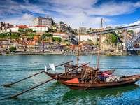 Porto, Portugalia gród nad rzeką Douro.
