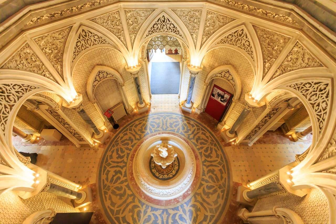 Bajkowy korytarz pałacu Monserrate