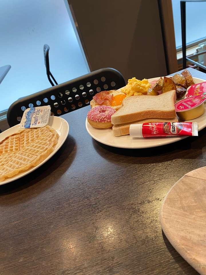 Śniadanie w Oslo puzzle ze zdjęcia